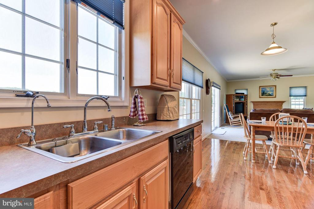 Kitchen - 2256 WILCOM CT, IJAMSVILLE