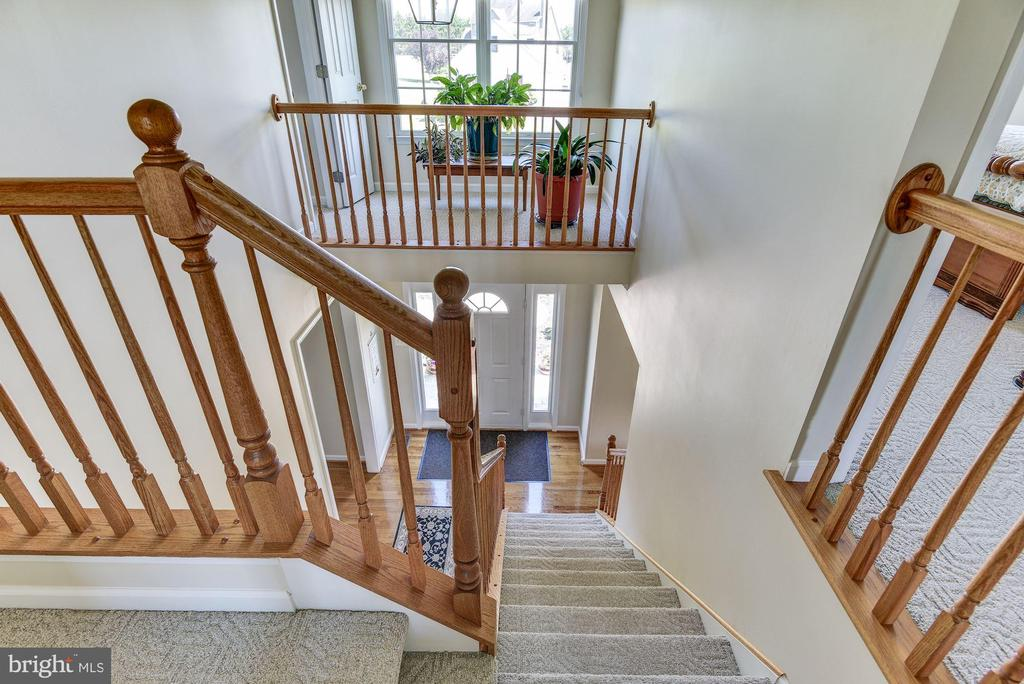 Upper Level Staircase - 2256 WILCOM CT, IJAMSVILLE