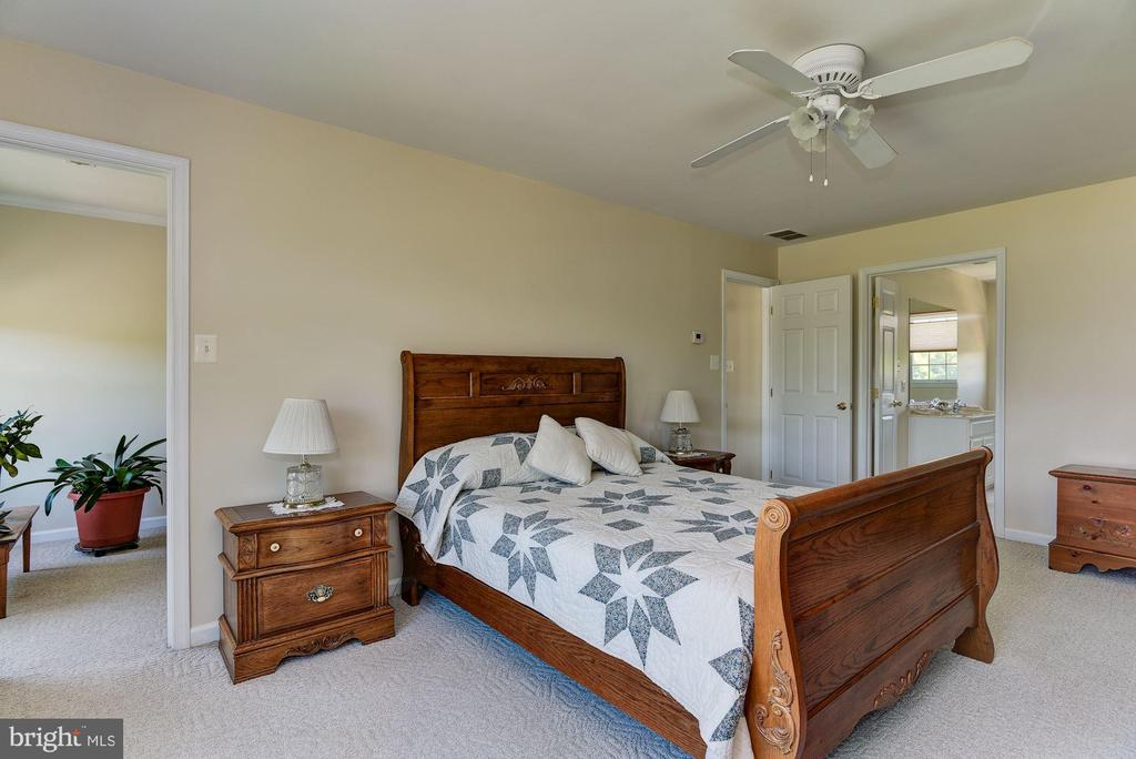 Master Bedroom - 2256 WILCOM CT, IJAMSVILLE