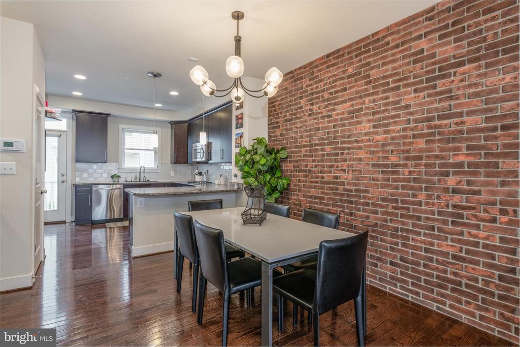 Ample room for dining area in open floorplan main - 3049 CHANCELLORS WAY NE, WASHINGTON