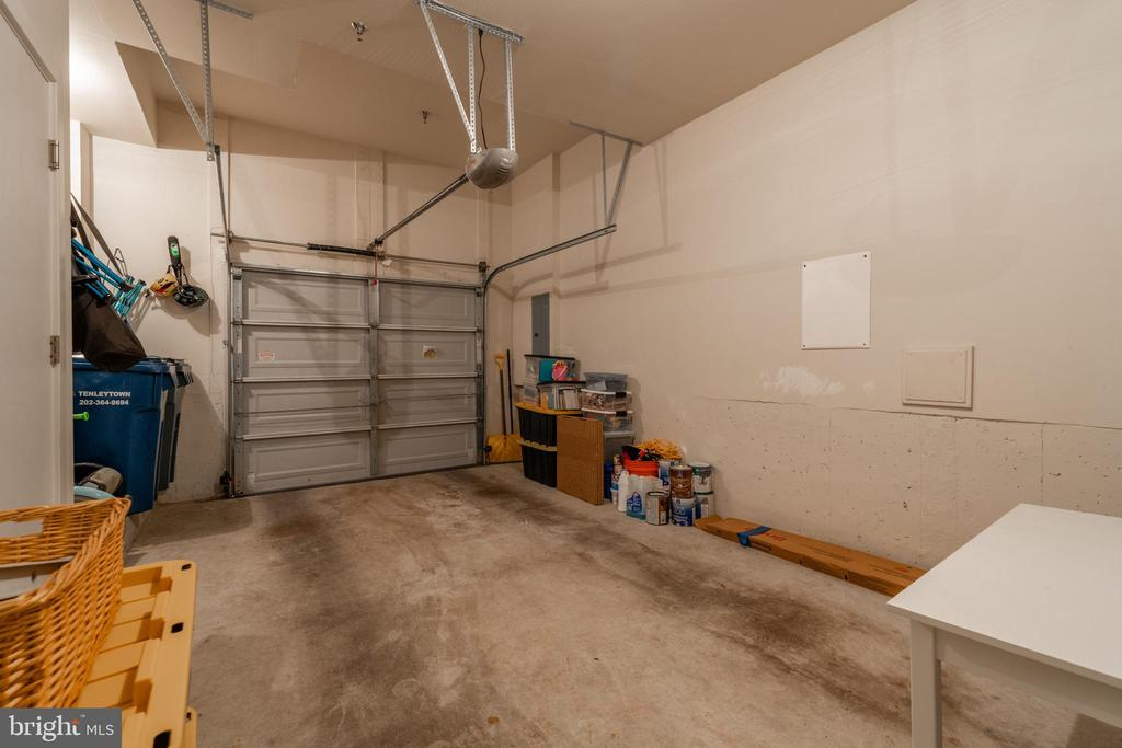 Attached 1 car garage with room for storage - 3049 CHANCELLORS WAY NE, WASHINGTON