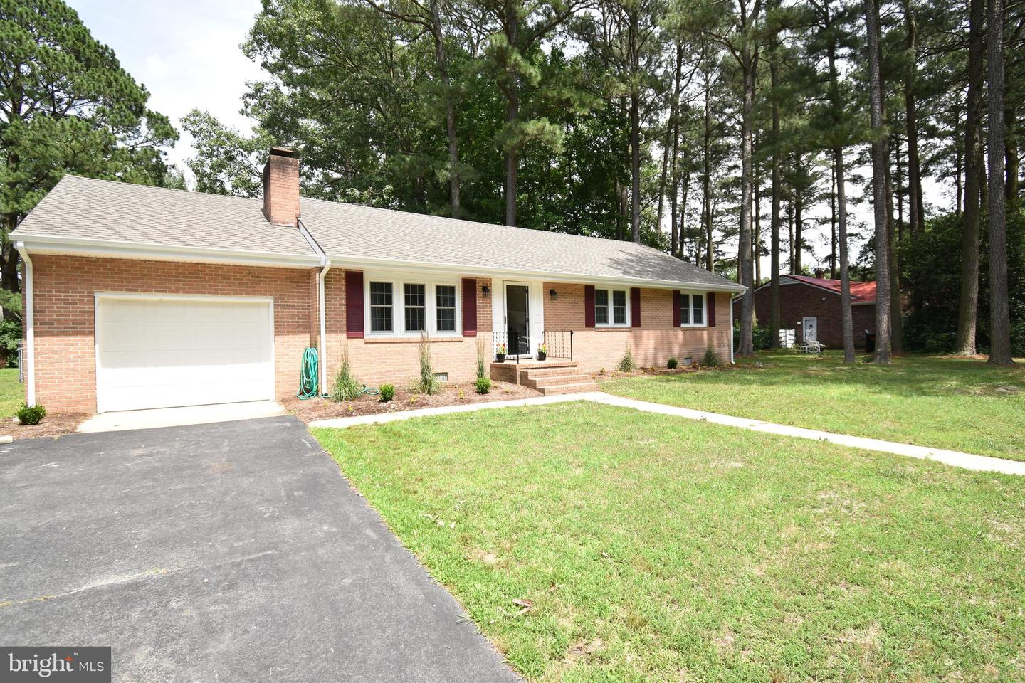 Single Family for Sale at 8 Shady Dr Cambridge, Maryland 21613 United States