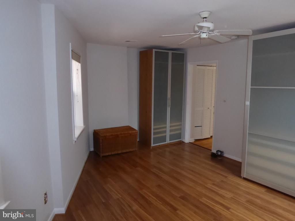 Spacious bedroom - 1340 VERMONT AVE NW #6, WASHINGTON