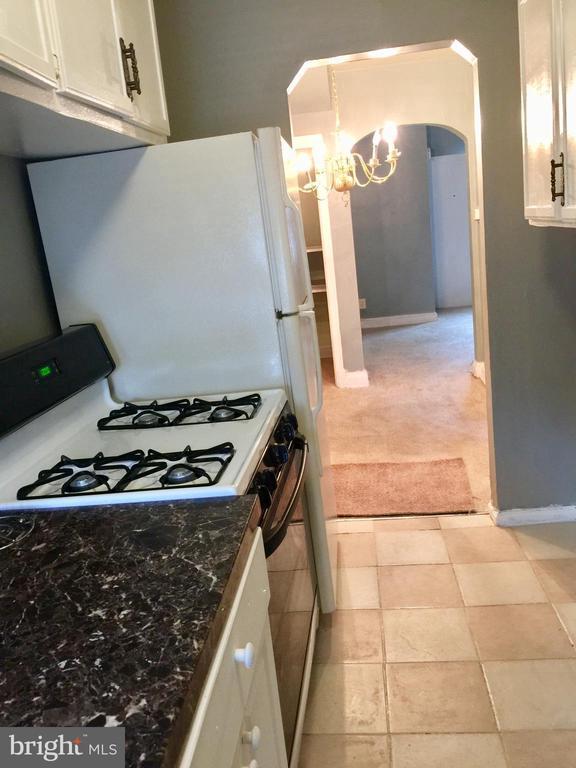 kitchen - 4026 7TH ST NE, WASHINGTON