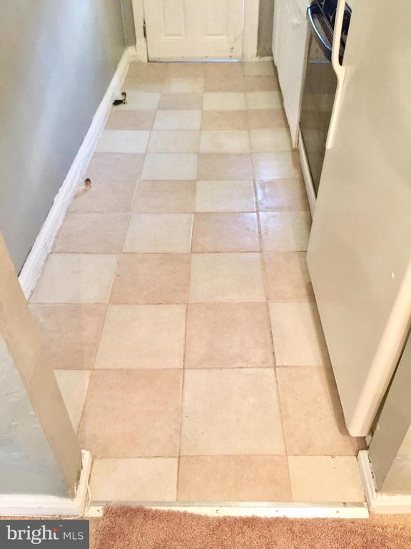 kitchen floor - 4026 7TH ST NE, WASHINGTON