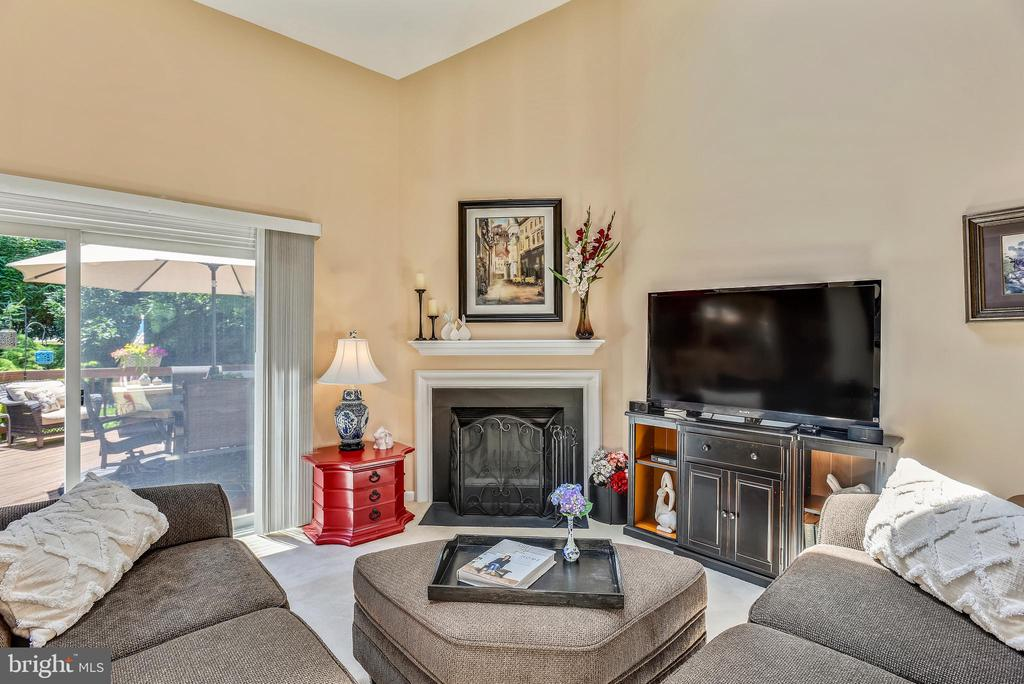 Living Room with Walkout to Deck - 11627 CHAPEL CROSS WAY, RESTON
