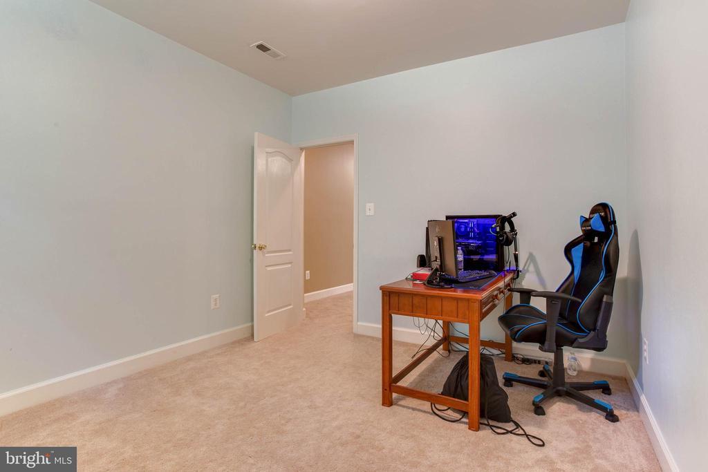 Extra Room in Basement, Den - 6711 HUNTERS RIDGE RD, MANASSAS