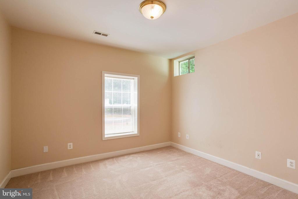 Bedroom 5 in basement - 6711 HUNTERS RIDGE RD, MANASSAS