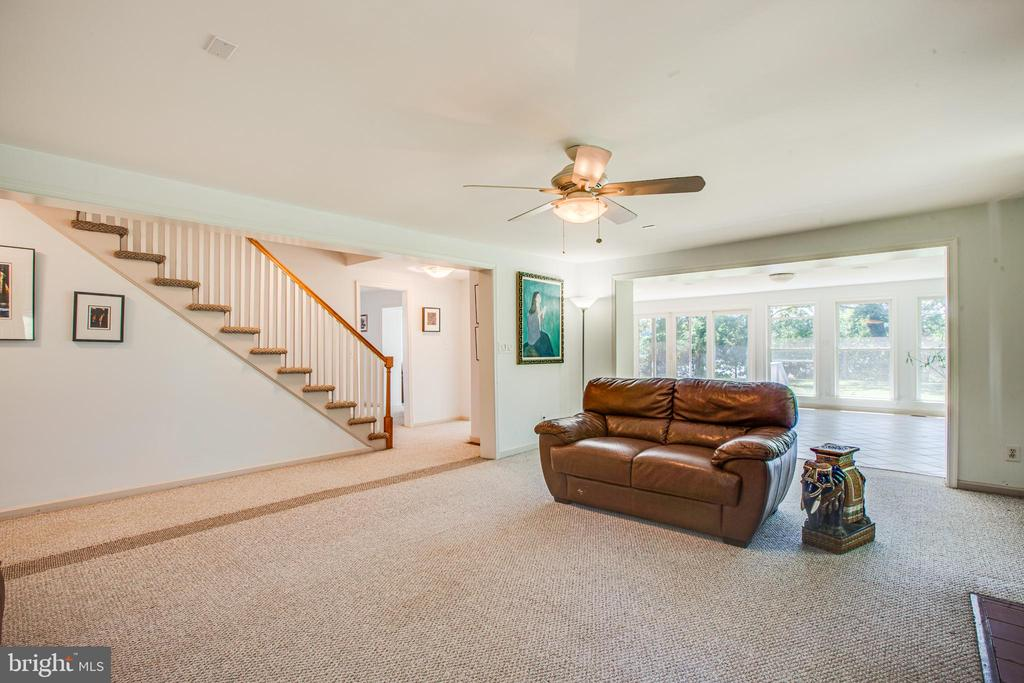 Every Room is Oversized for Entertaining - 21 AQUIA CREST LN, STAFFORD