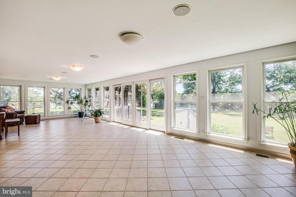 Sunroom for Gazing @ Nature & Waterviews - 21 AQUIA CREST LN, STAFFORD