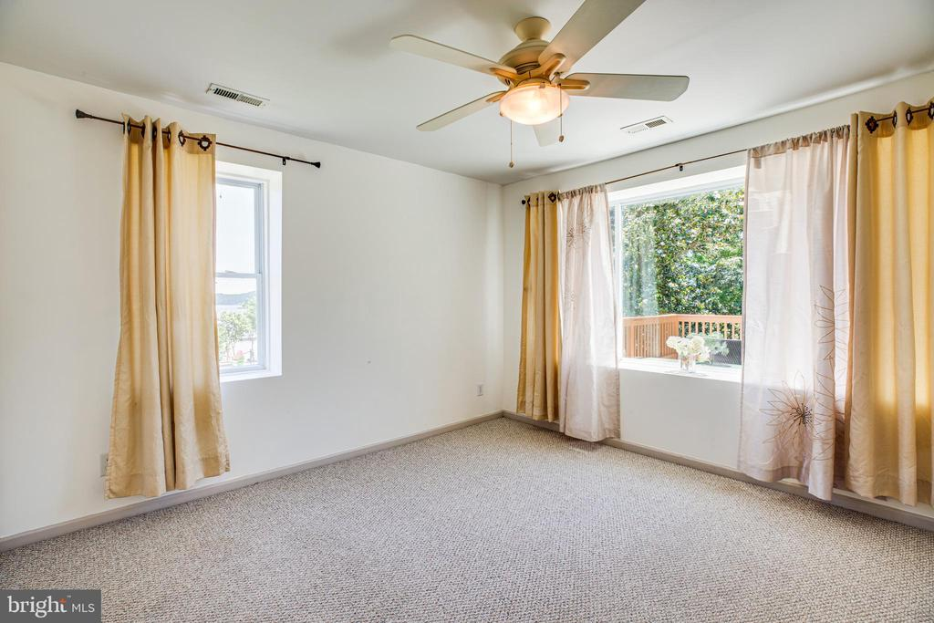 BR #4 Easily fits 2 beds overlooking water - 21 AQUIA CREST LN, STAFFORD