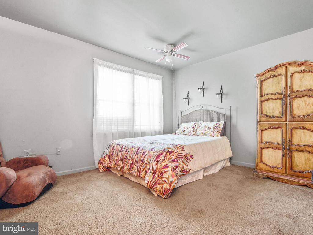 2nd Master Bedroom - 9168 KERSHAW CT, MANASSAS