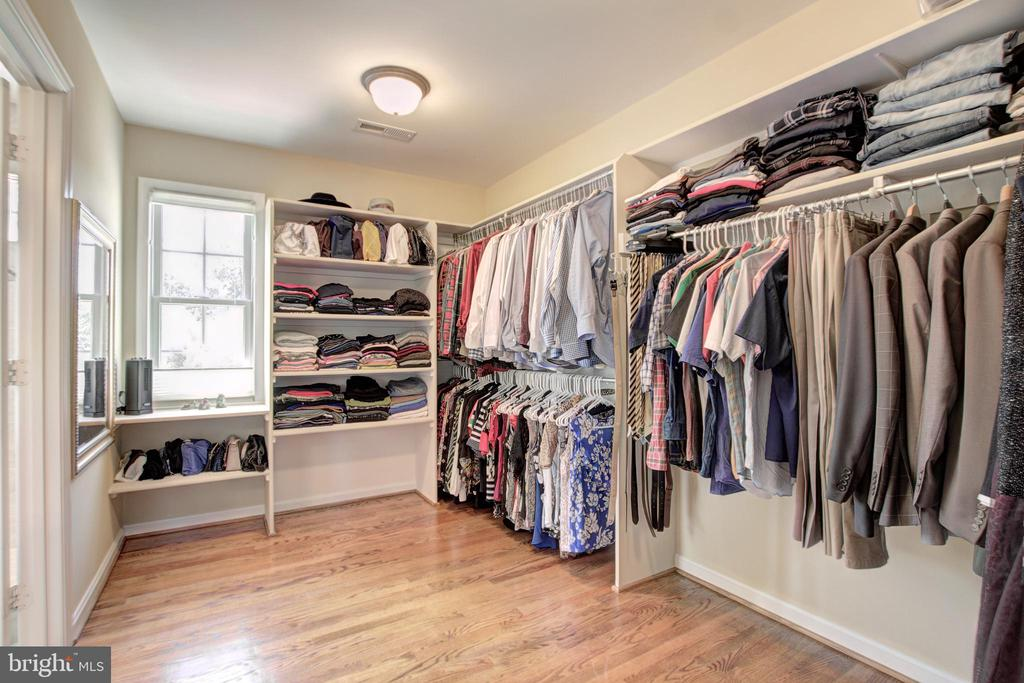 Luxurious Walk-In Closet - 9891 CHAPEL BRIDGE ESTATES DR, FAIRFAX STATION