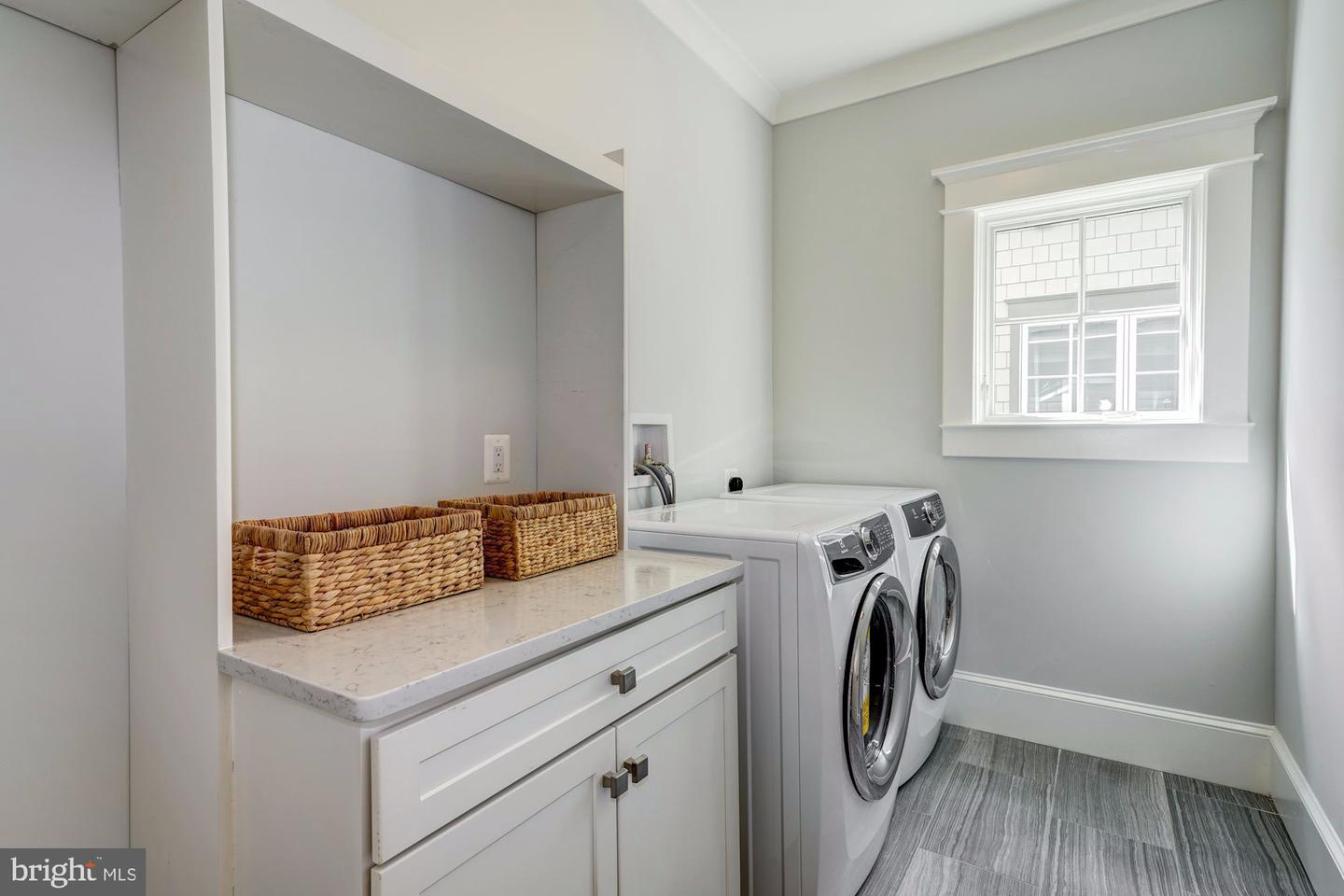 Additional photo for property listing at 5304 Dorsett Pl NW Washington, District Of Columbia 20016 United States