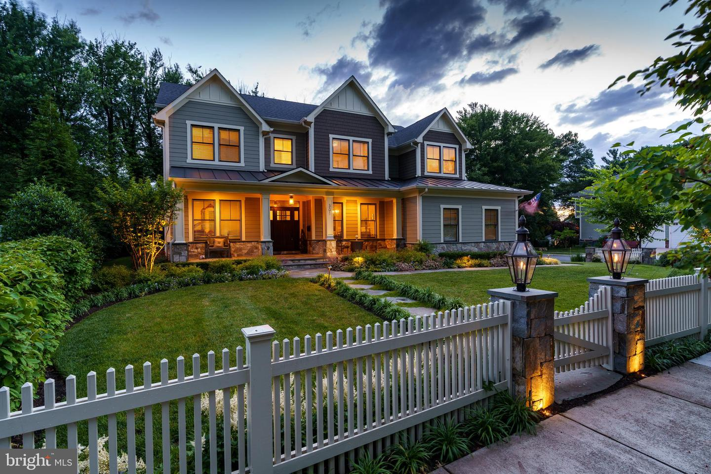 Single Family Homes for Sale at Vienna, Virginia 22180 United States