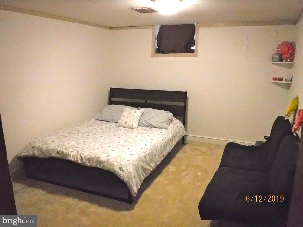 Bedroom 4 in basement - 7724 AMHERST DR, MANASSAS