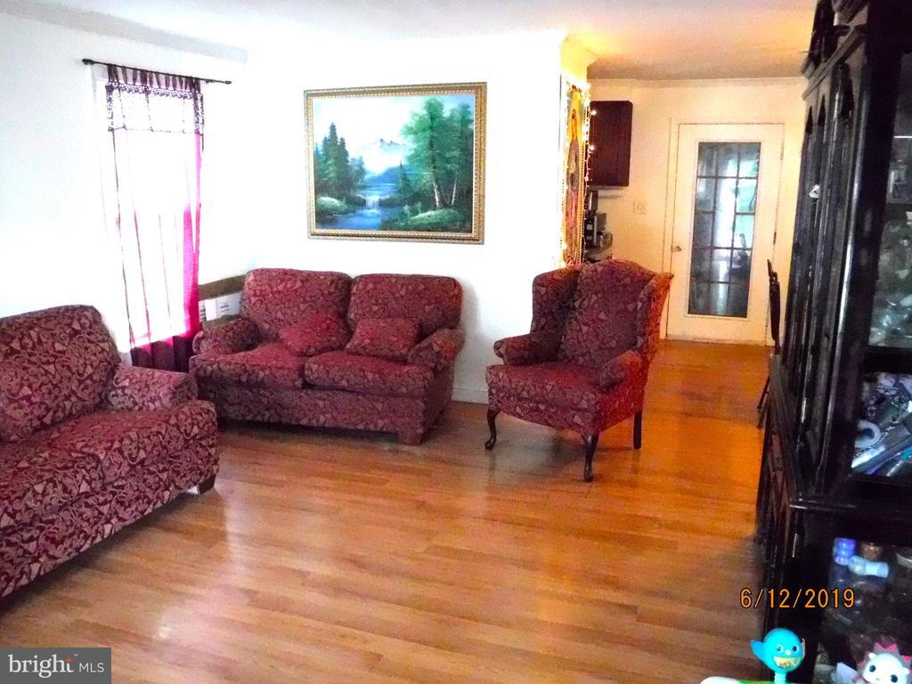 Living room - 7724 AMHERST DR, MANASSAS
