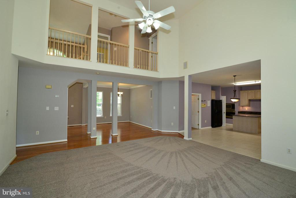 Two-story Great Room - 416 LAWFORD DR SW, LEESBURG
