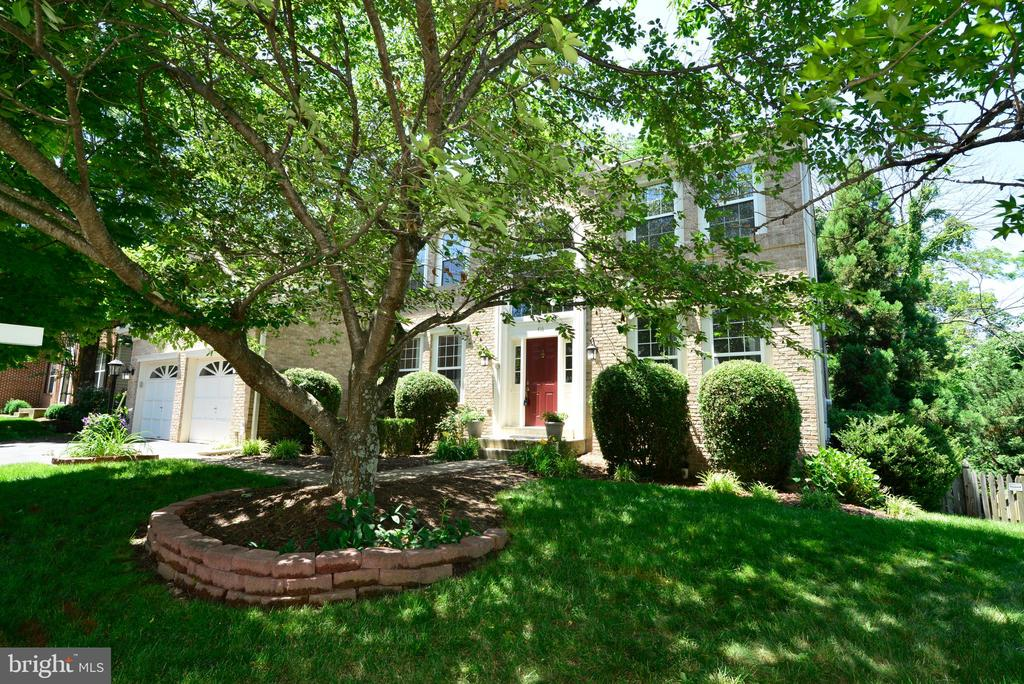 Great curb appeal - 416 LAWFORD DR SW, LEESBURG