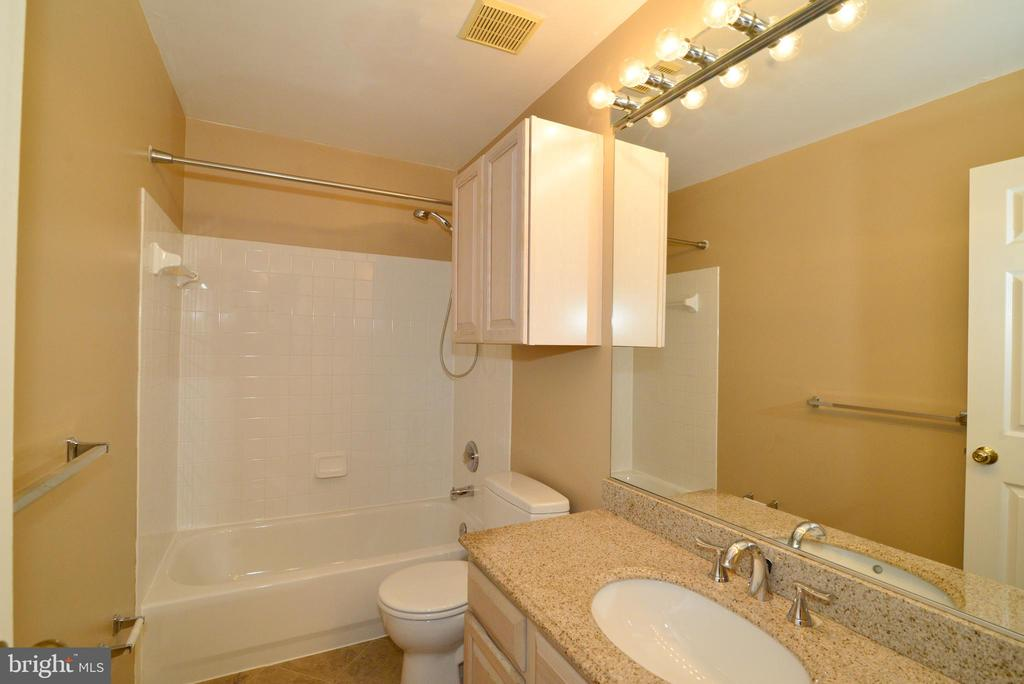 Bathroom with granite sink - 416 LAWFORD DR SW, LEESBURG