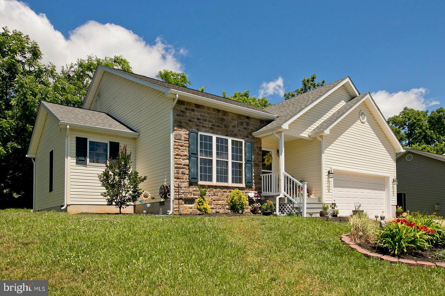 Single Family for Sale at 64 Dimension Inwood, West Virginia 25428 United States