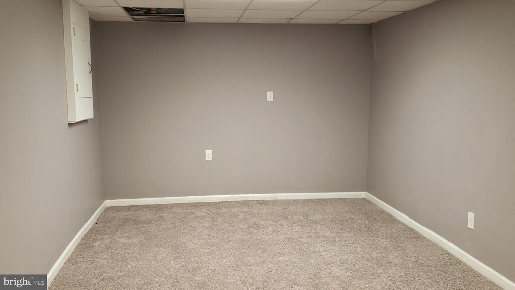Fully finished basement - 3147 CHERRY RD NE #30, WASHINGTON