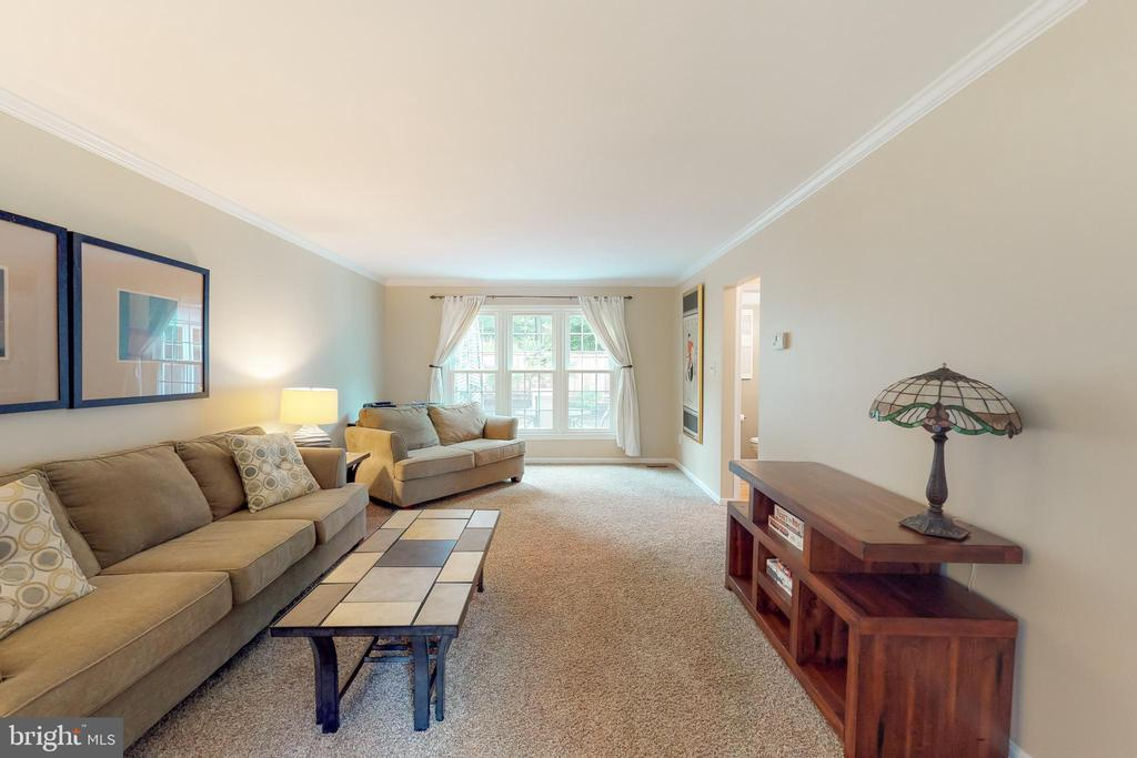 Newer windows throughout=MAJOR cost savings - 11707 OLD BAYBERRY LN, RESTON