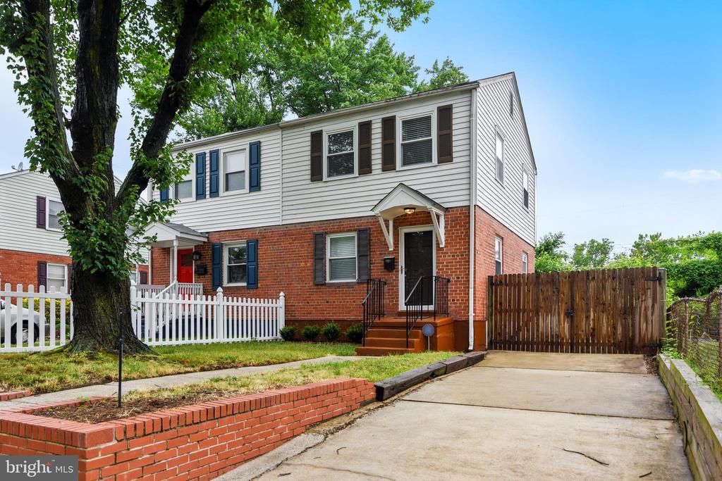 2222  ARLINGTON TERRACE 22303 - One of Alexandria Homes for Sale