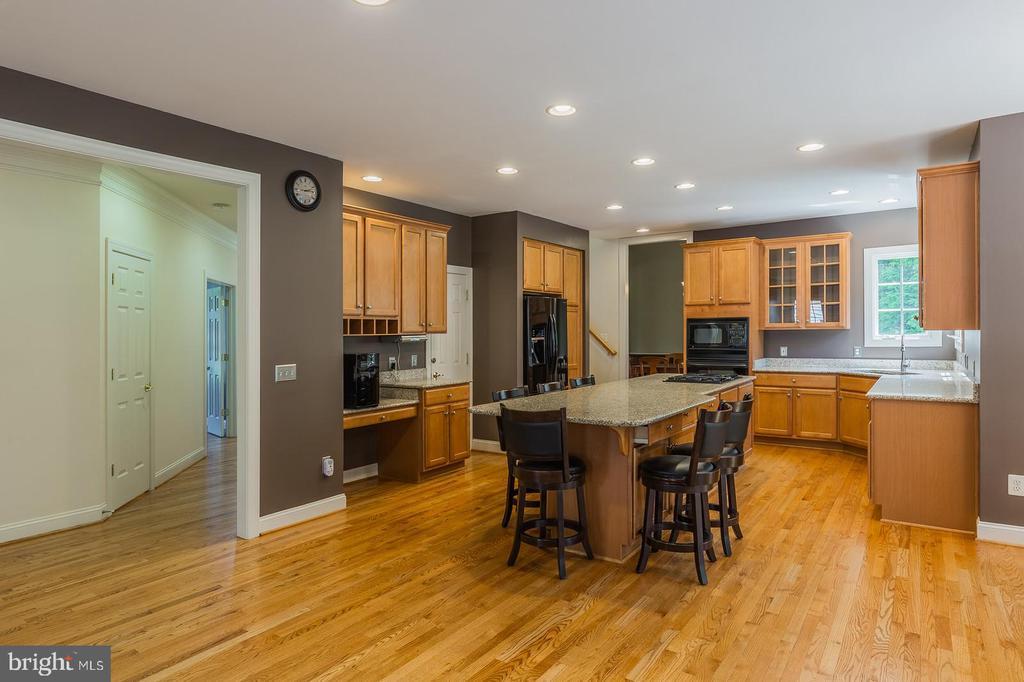 Gleaming Hardwood Flooring on main level - 4524 MOSSER MILL CT, WOODBRIDGE