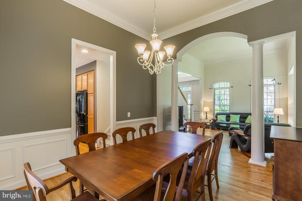 Dining Room with impressive molding and columns - 4524 MOSSER MILL CT, WOODBRIDGE