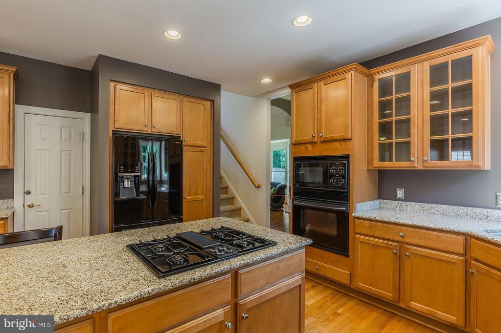 Updated appliances, gleaming granite - 4524 MOSSER MILL CT, WOODBRIDGE