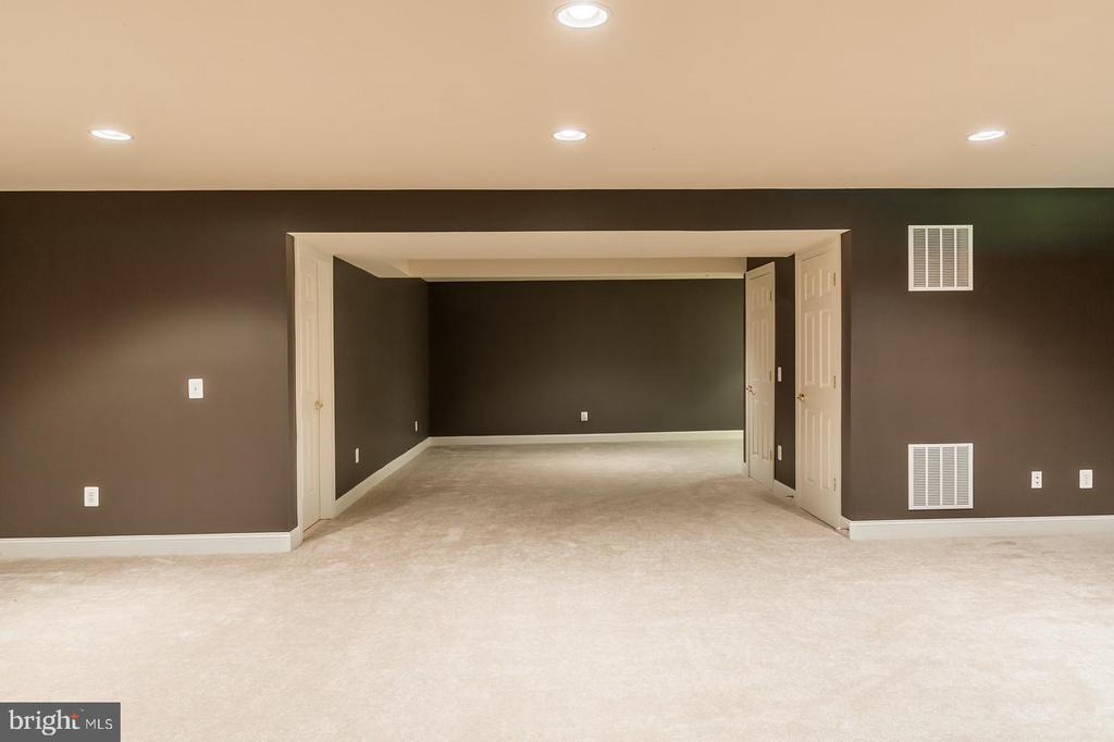 Delightful space perfect for a game and media room - 4524 MOSSER MILL CT, WOODBRIDGE