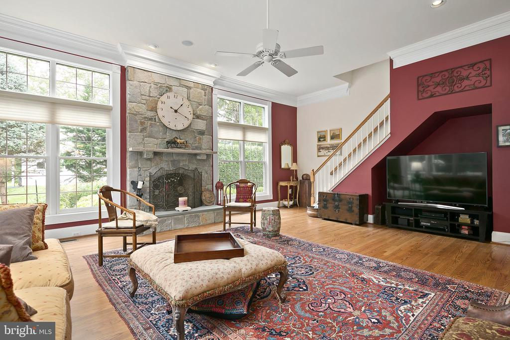 Family Room w/Back Staircase - 17504 CARLSON FARM CT, GERMANTOWN
