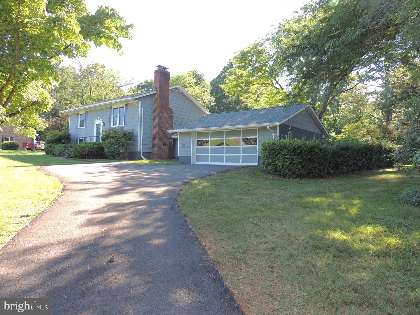 Single Family for Sale at 16266 Berryvale Ln Culpeper, Virginia 22701 United States