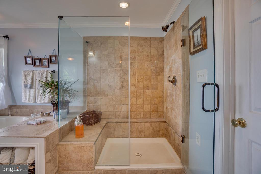 Updated shower! - 134 WALLER POINT DR, STAFFORD