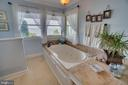 Huge jetted soaking tub! - 134 WALLER POINT DR, STAFFORD