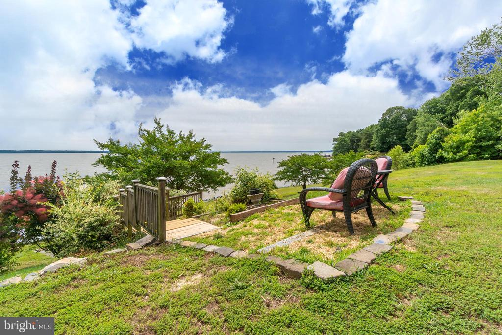 Enjoy your waterfront backyard! - 134 WALLER POINT DR, STAFFORD