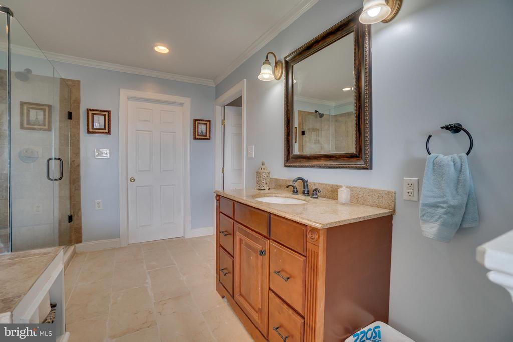 New floors in master bath! - 134 WALLER POINT DR, STAFFORD