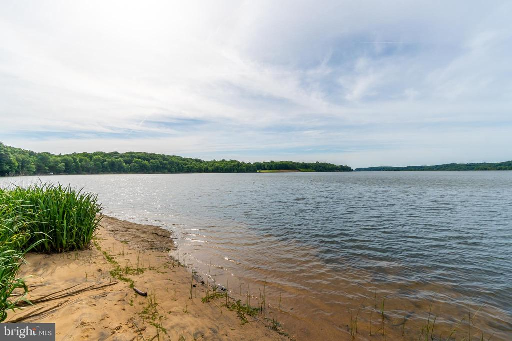 Widewater State Park views! - 134 WALLER POINT DR, STAFFORD