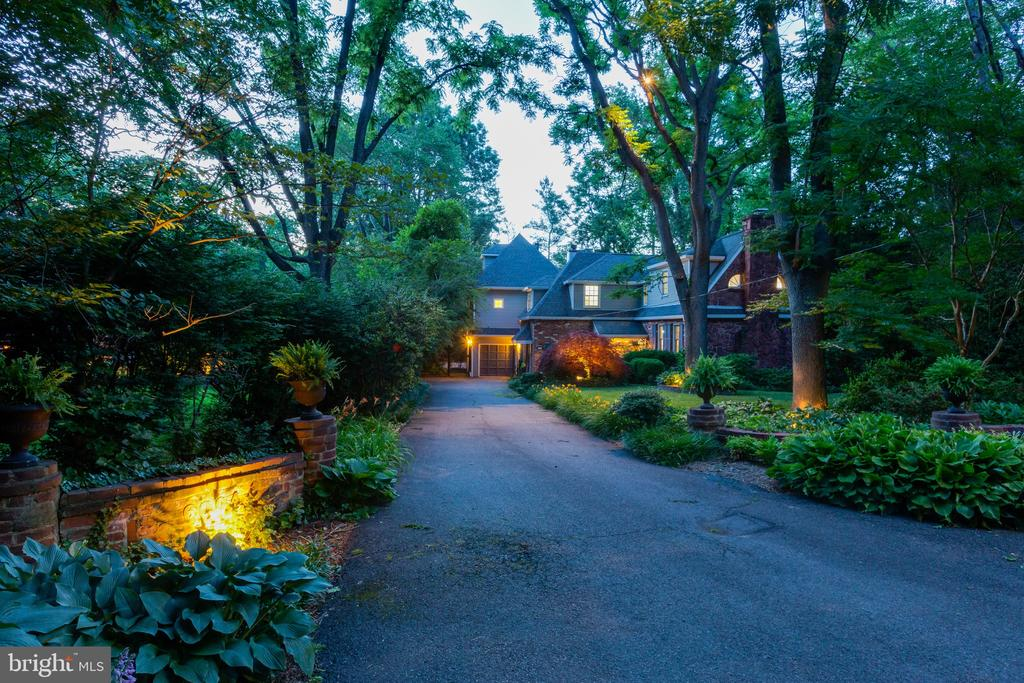 6004  BEECH TREE DRIVE, Alexandria, Virginia