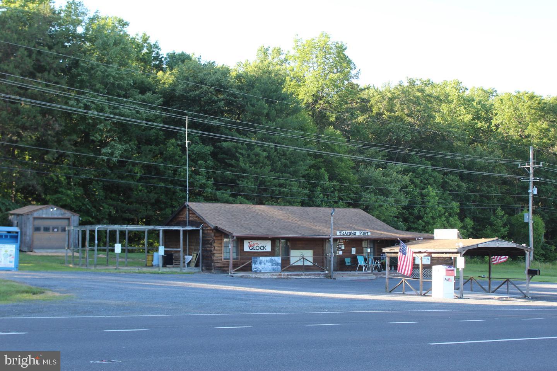 Retail for Sale at Washington, Virginia 22747 United States