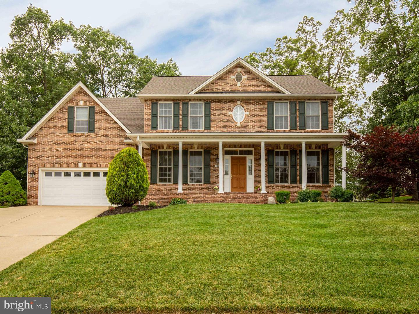 Single Family for Sale at 120 First Manassas Pl Stephens City, Virginia 22655 United States