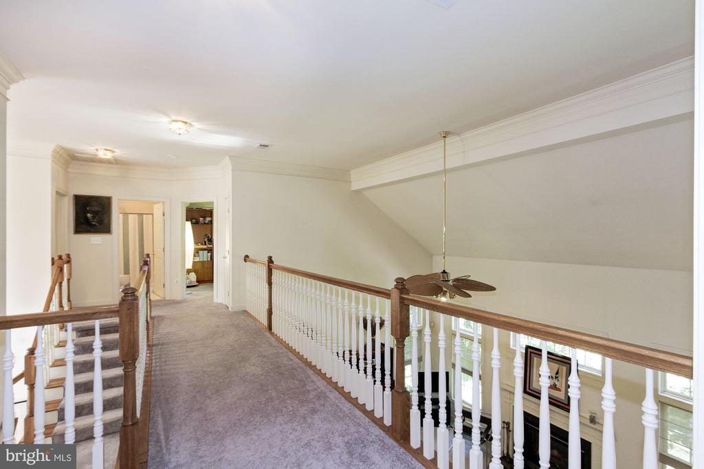 Upstairs Hallway - 1019 CURTIS PL, ROCKVILLE