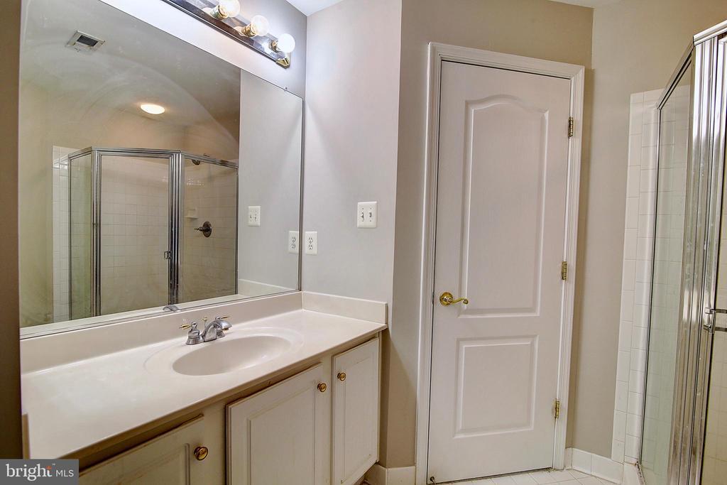 2nd Bathroom - 21368 STURMAN PL, BROADLANDS
