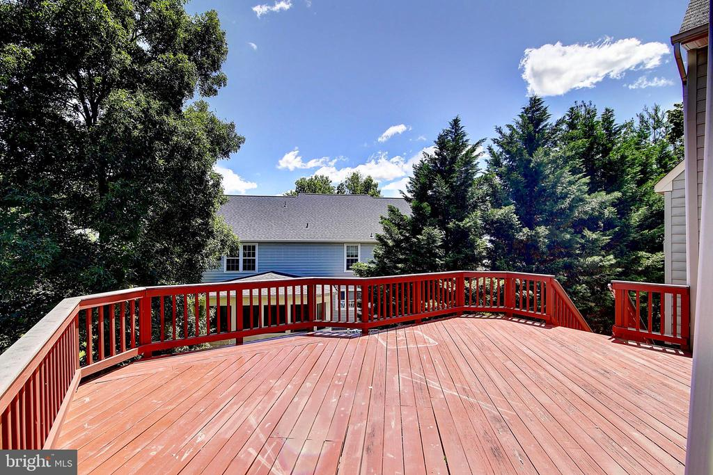 Expansive Deck - 21368 STURMAN PL, BROADLANDS