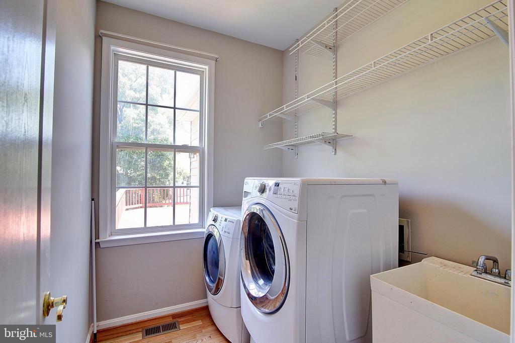 Laundry Room - 21368 STURMAN PL, BROADLANDS