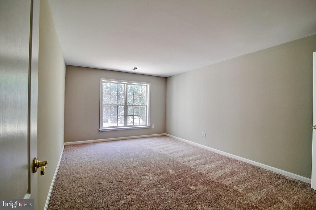 6th Bedroom in Basement - 21368 STURMAN PL, BROADLANDS