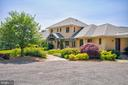 Stunning landscaping - 20781 UNISON RD, ROUND HILL