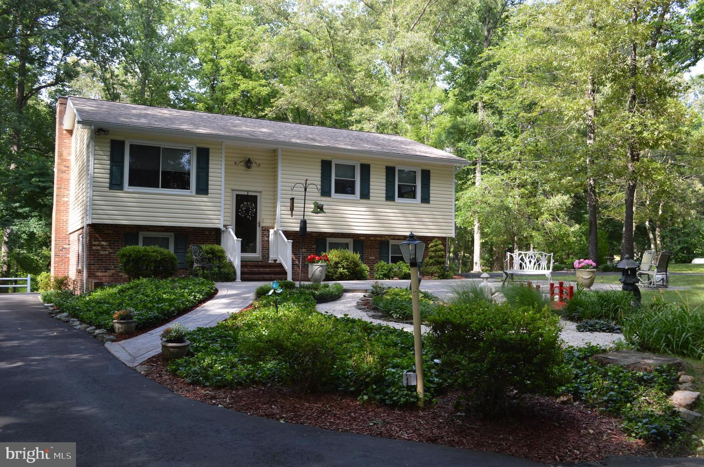 Single Family for Sale at 29373 Mine Run Rd Unionville, Virginia 22567 United States