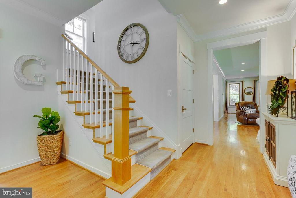 Foyer with Hardwood Floors Throughout - 16 DOBE POINT RD, STAFFORD